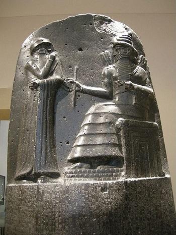 Х1. Стела с Кодексом Хаммурапи в музее Лувра