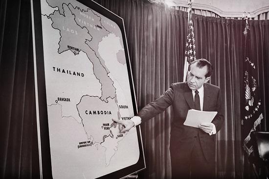 Рис. 10. Никсон объявляет о вторжении в Камбоджу