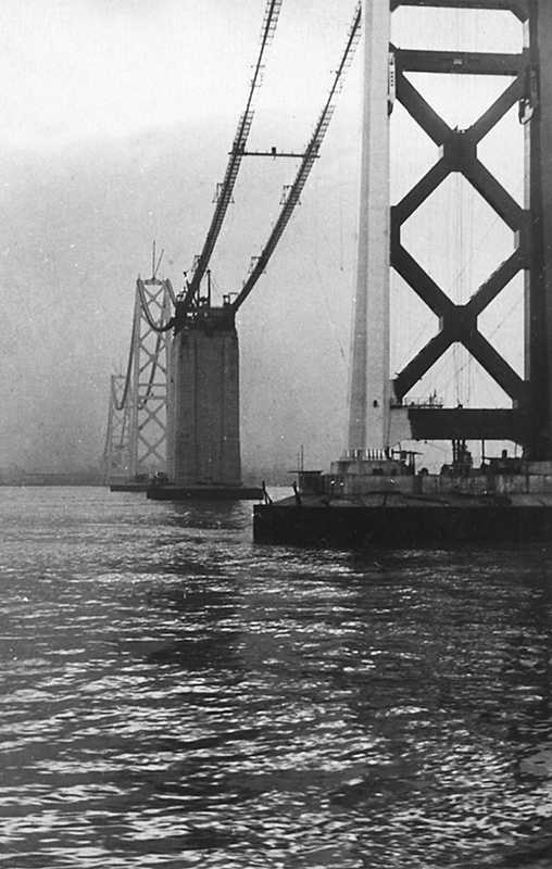 San Frantsisko. Stroyashhijsya most Zolotye vorota . Tak vot ono vsemirnoe chudo tehniki znamenityj visyachij most